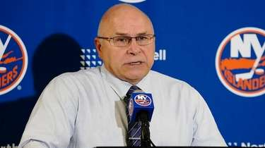 Islanders coach Barry Trotz speaks after a game