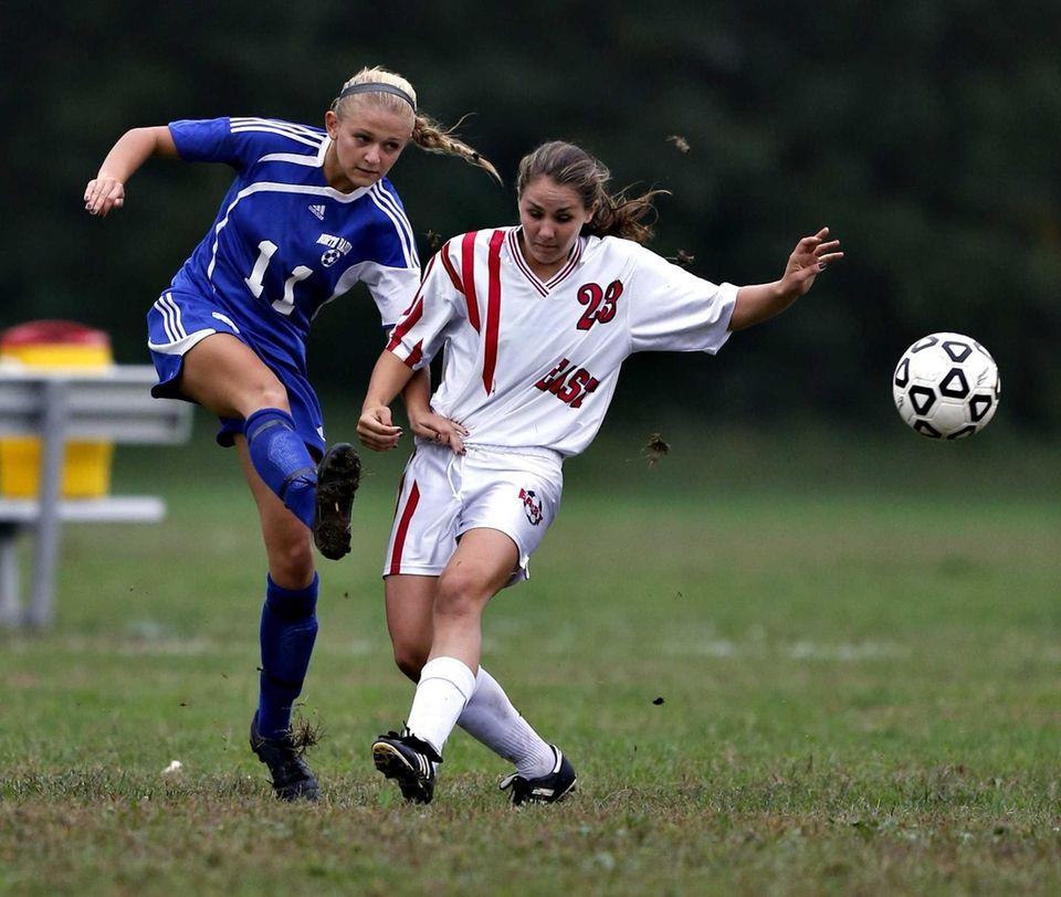 North Babylon's Alexa Gannon advances the ball ahead