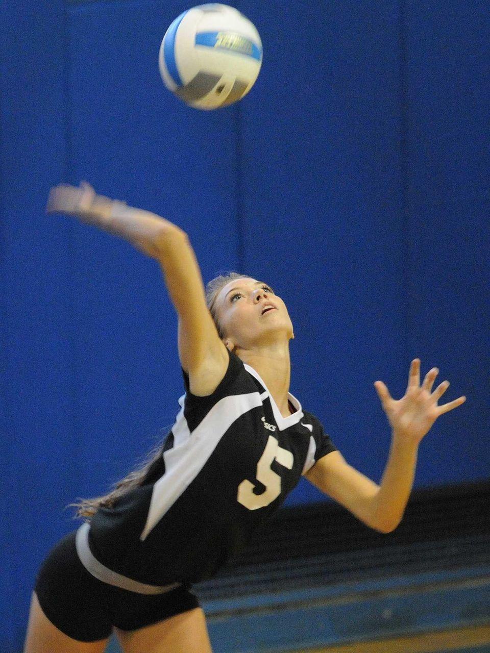 Wantagh's Haley Joyce serves a ball into play