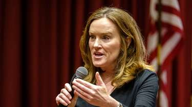 Rep. Kathleen Rice answers questions at a town