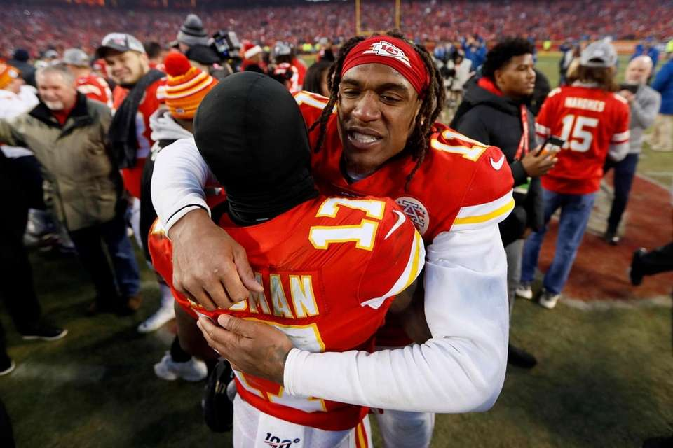 Kansas City Chiefs' Demarcus Robinson and Mecole Hardman