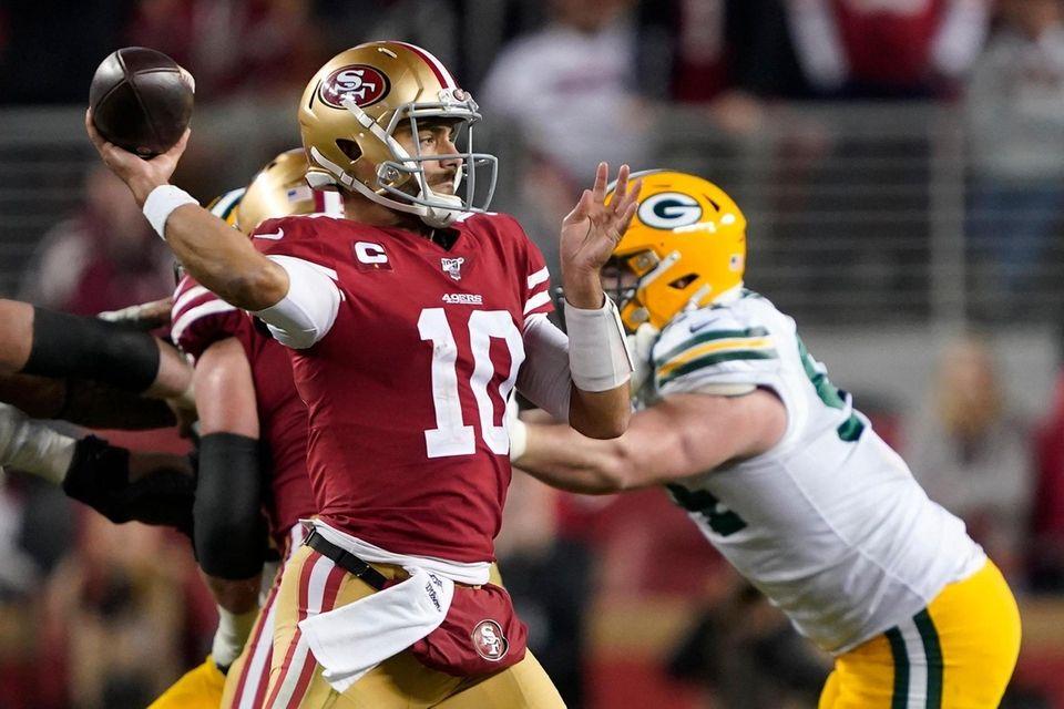 San Francisco 49ers quarterback Jimmy Garoppolo passes against