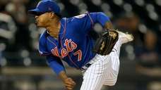 Marcus Stroman of the New York Mets pitches