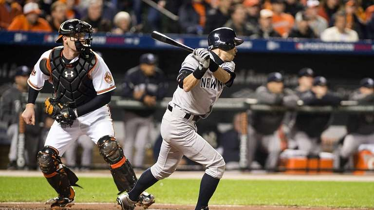 Ichiro Suzuki hits a RBI double against the