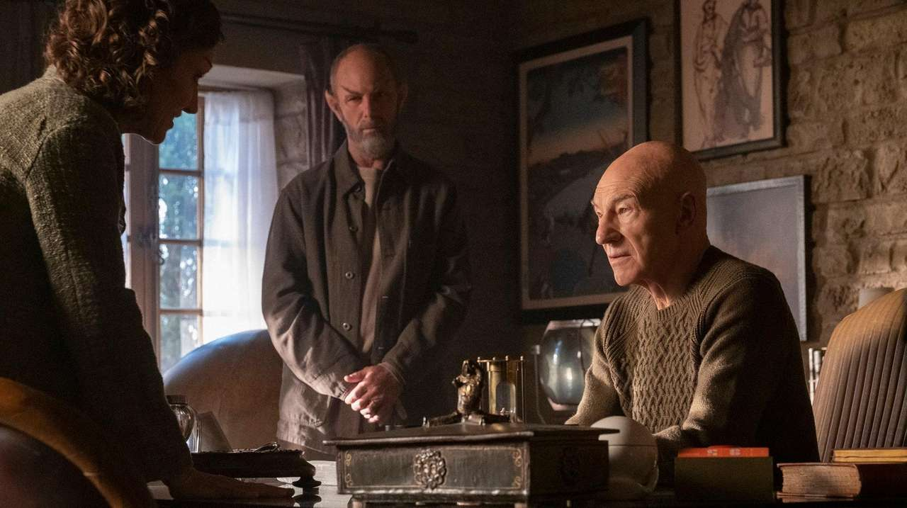 Star Trek Picard Review Patrick Stewart Returns In Smart Well Crafted Drama Newsday Complete tv filmography with main cast, guest cast, and show crew credits; star trek picard review patrick
