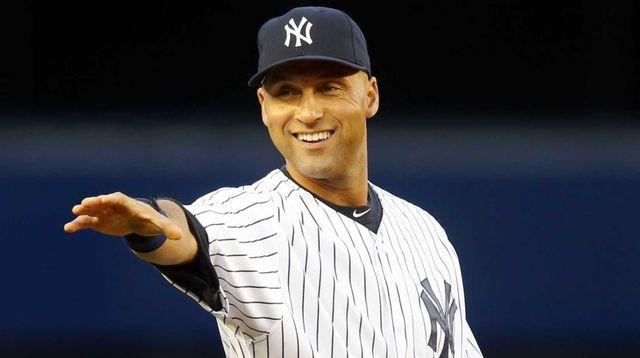 Derek Jeter Yankees gestures towards the fans before