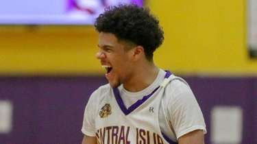 Central Islip beat Ward Melville, 60-58, in a