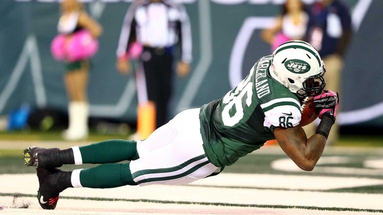 Jeff Cumberland catches a 27-yard touchdown reception in
