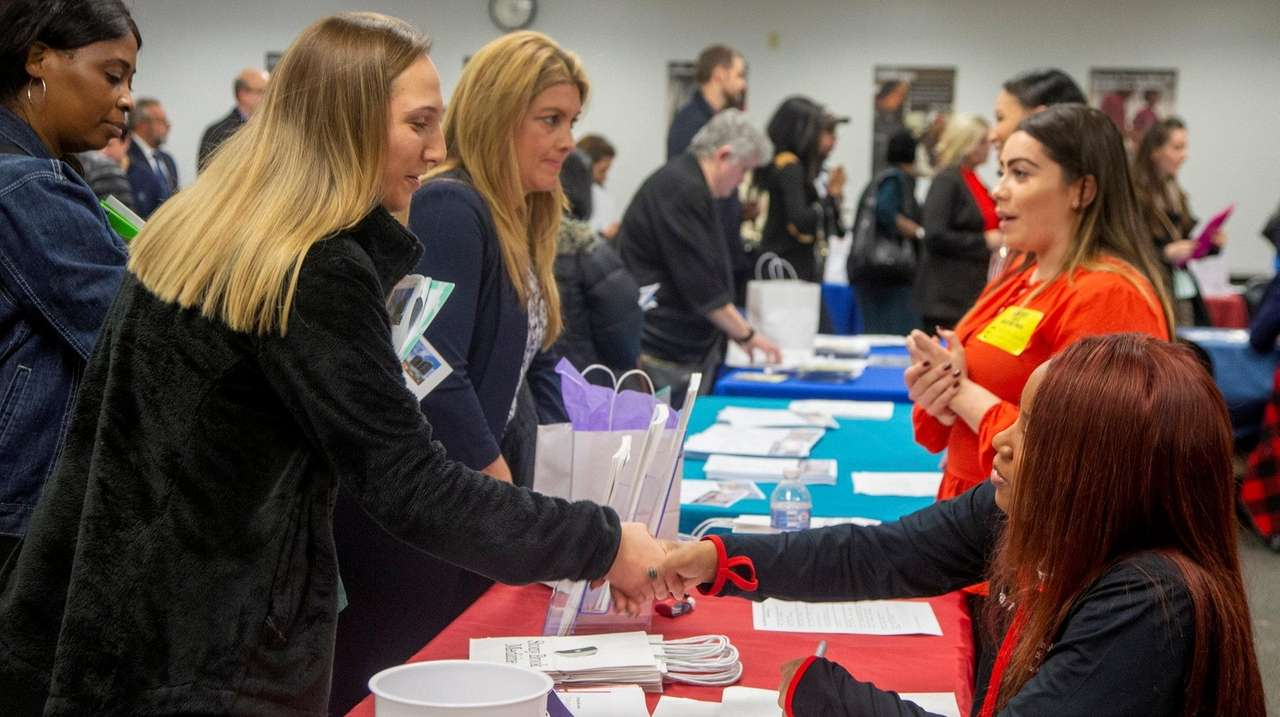 LI employment market adds 7,600 jobs, data shows