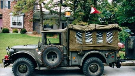 THE CAR AND ITS OWNER 1952 Dodge M37