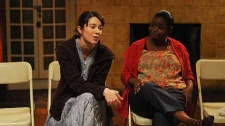 Mary Elizabeth Winstead and Octavia Spencer in