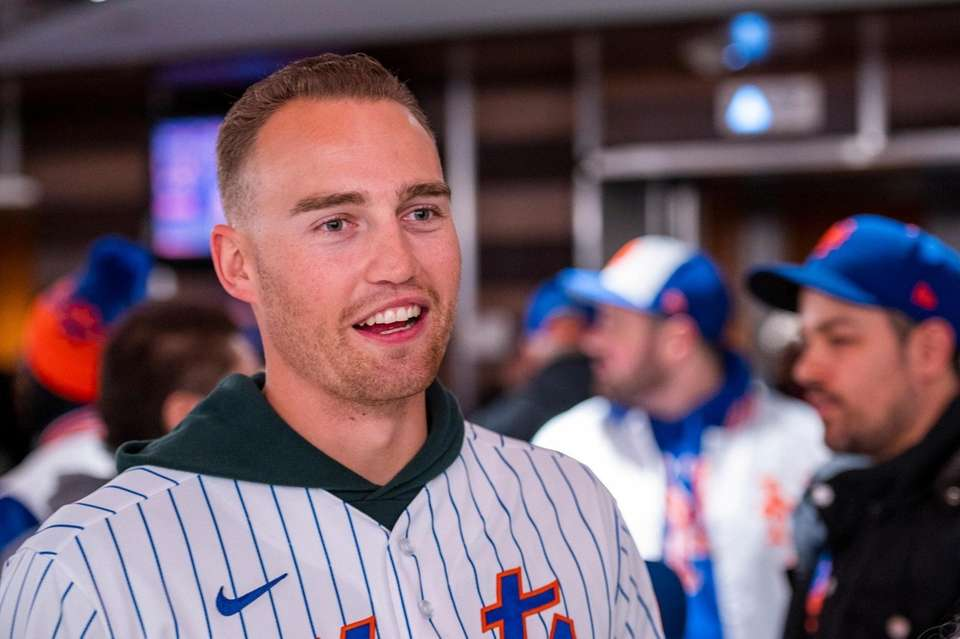 New York Mets Brandon Nimmo greets fans during