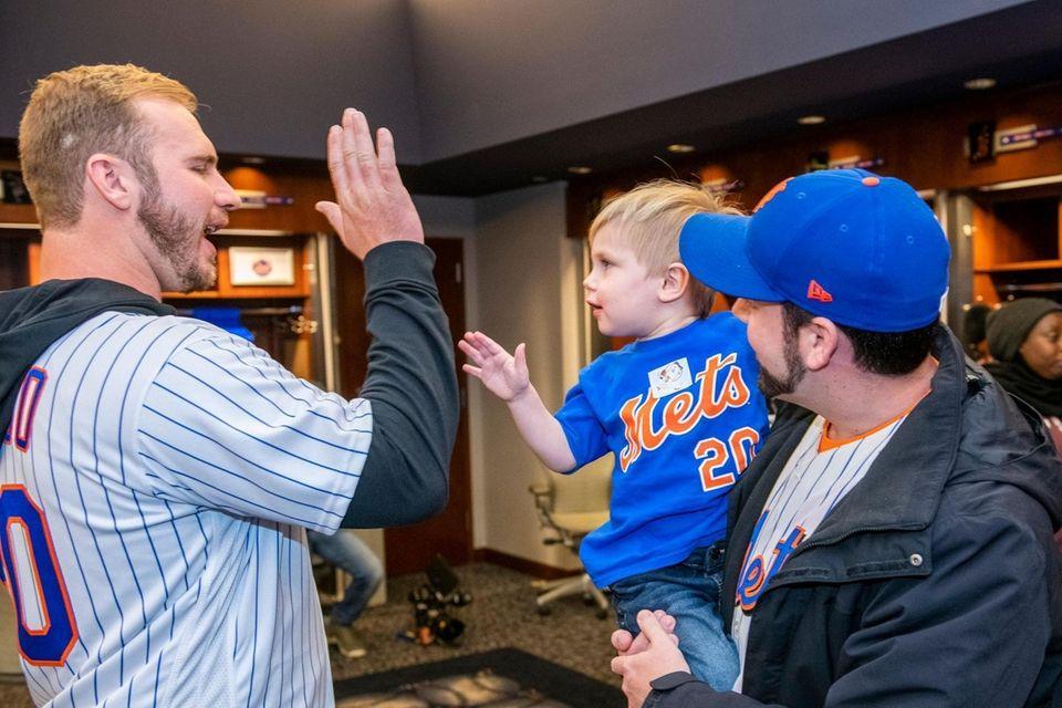 New York Mets Pete Alonso greets Michael Tarantino