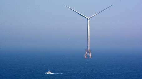Deepwater Wind installing the first offshore wind farm