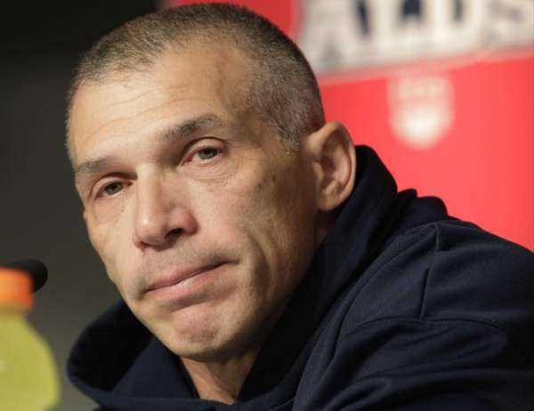 Yankees manager Joe Girardi listens to a question