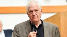 Assemblyman Steven Englebright speaks at The Unitarian Universalist