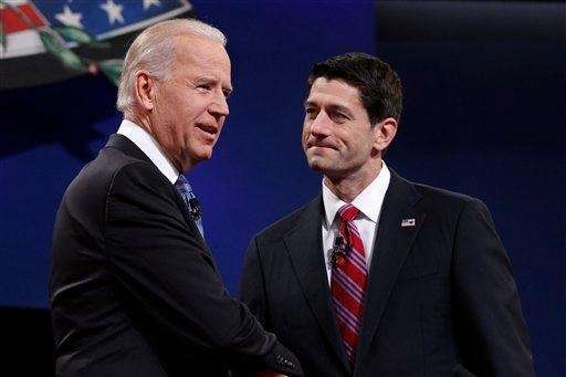 Republican vice-presidential candidate, Rep. Paul Ryan, R-Wis., right,