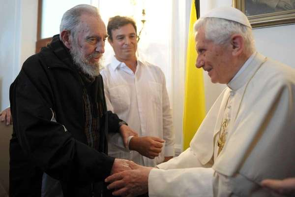 Pope Benedict XVI meets with former Cuban President