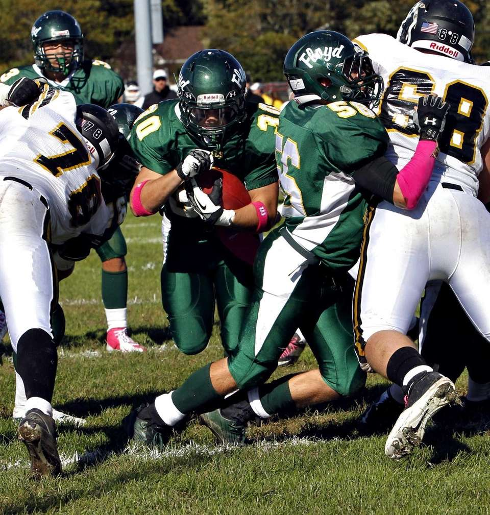 William Floyd running back Vinny Labate follows the