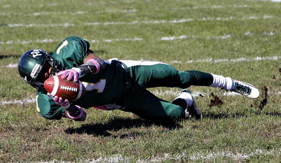 William Floyd wide receiver Vantrell Nach hauls in