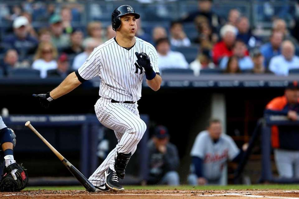 Mark Teixeira doubles in the bottom of the