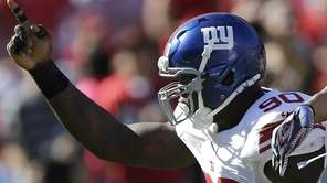 Giants defensive end Jason Pierre-Paul celebrates after sacking