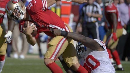 Giants defensive end Jason Pierre-Paul sacks San Francisco