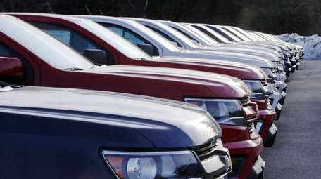 Automakers report January car and truck sales this