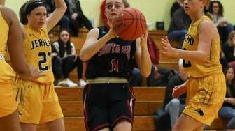 South Side's Katie McMahon drives through the Jericho