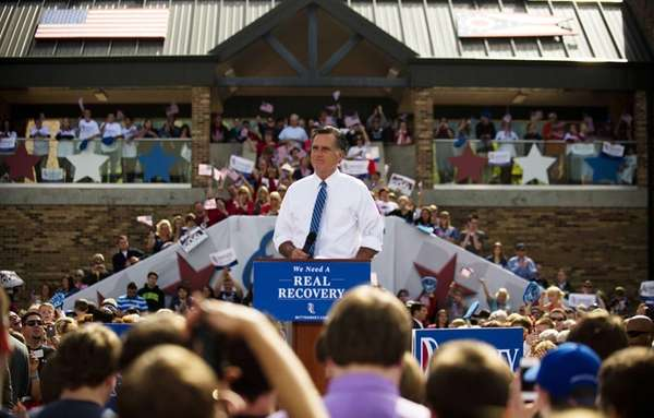 Republican presidential candidate Mitt Romney speaks to supporters