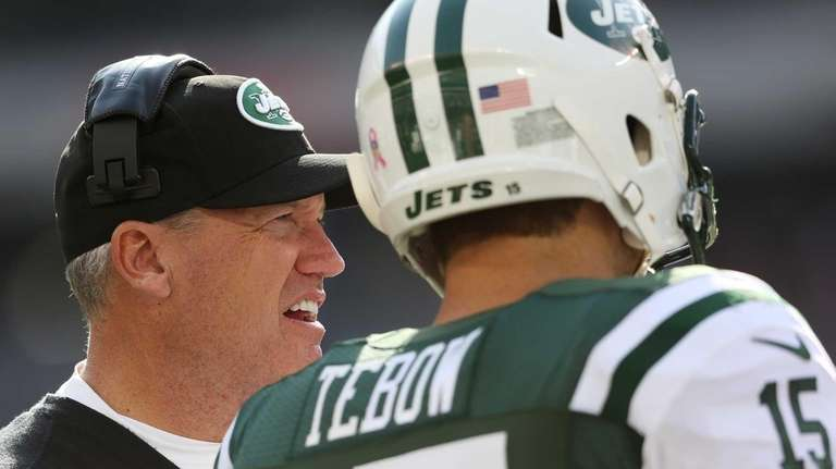 EAST RUTHERFORD, NJ - OCTOBER 14: Head coach