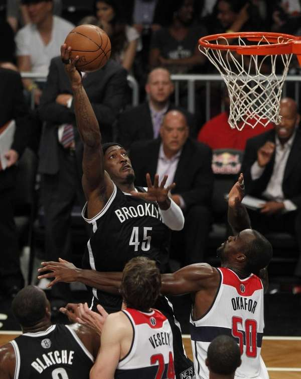 Gerald Wallace shoots against the Washington Wizards during