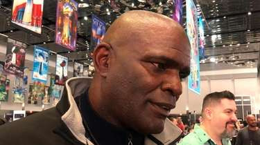 Former Giants linebacker Lawrence Taylor discussed what