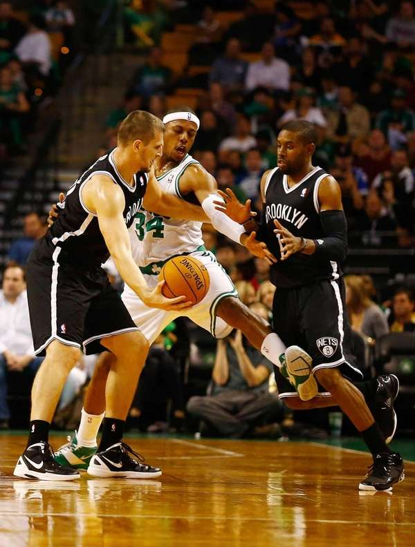 Paul Pierce of the Boston Celtics gets in