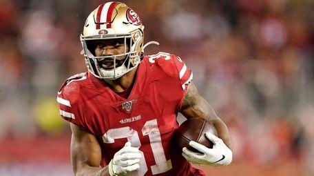 San Francisco 49ers running back Raheem Mostert ran