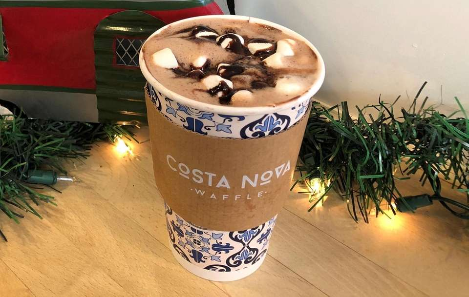 Nutella hot chocolate at Costa Nova Waffle, in