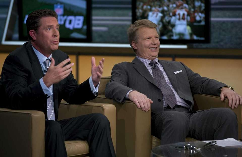 Phil Simms and guest host Dan Marino discussed