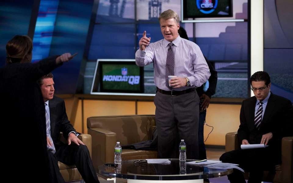 Phil Simms, guest host Dan Marino, left, and