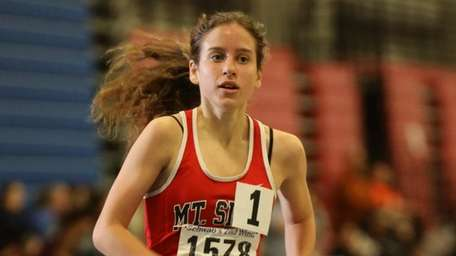 Mount Sinai Sarah Connelly leads the 3000m run