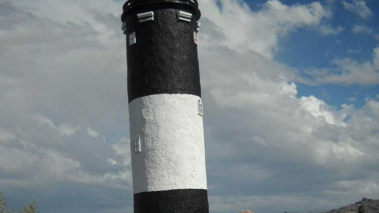 Bob Keller, at left, Lighthouse Club president, and