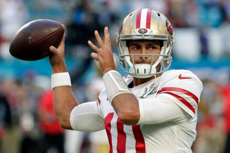 San Francisco 49ers quarterback Jimmy Garoppolo warms up