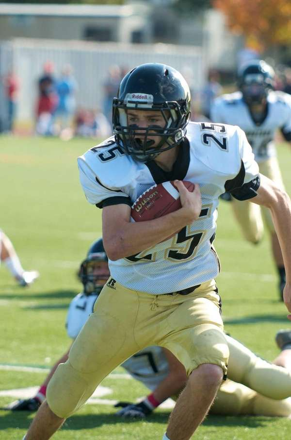 Wantagh running back Brandon Watson returns a punt
