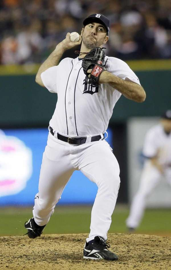 Detroit Tigers pitcher Justin Verlander delivers a pitch