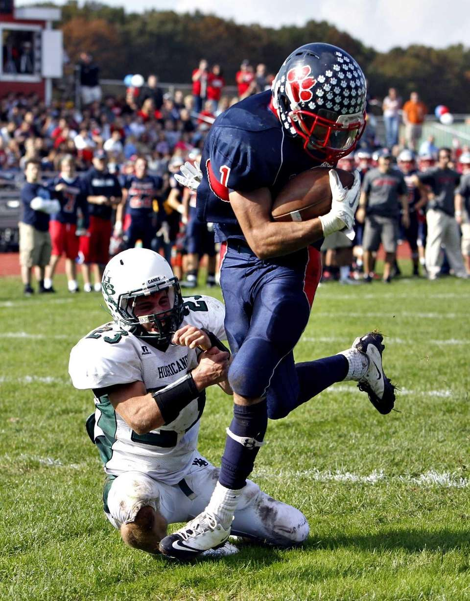 Miller Place running back Adin Greenfield breaks away