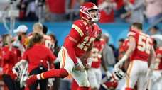 Mahomes threw two fourth-quarter touchdown passes in a