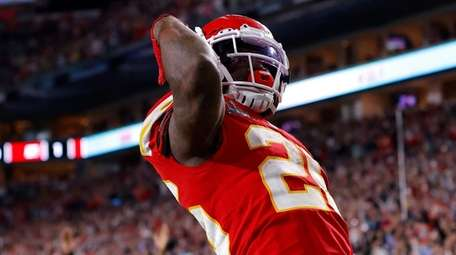 Damien Williams of the Chiefs runs for a