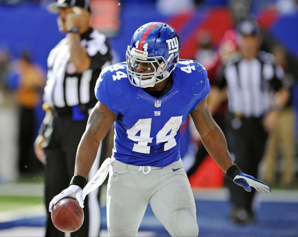 Giants running back Ahmad Bradshaw celebrates after scoring