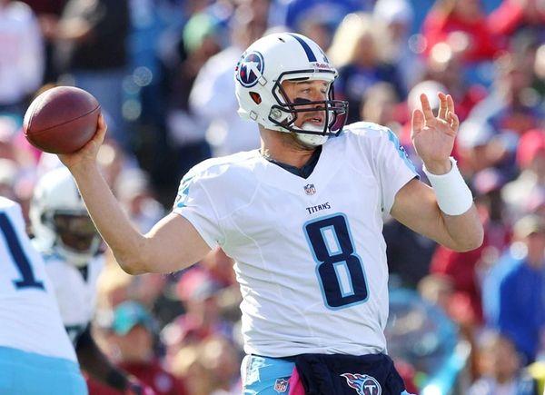 Tennessee Titans quarterback Matt Hasselbeck throws a pass
