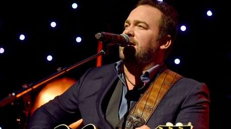 Lee Brice will perform at the NYCB Theatre