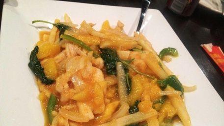 This is the Thai mango chicken at Chopstix
